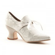 """Pompadour"" French Court Shoes (Ivory)"