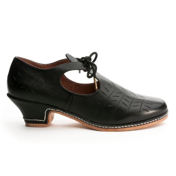 Elizabethan Shoes